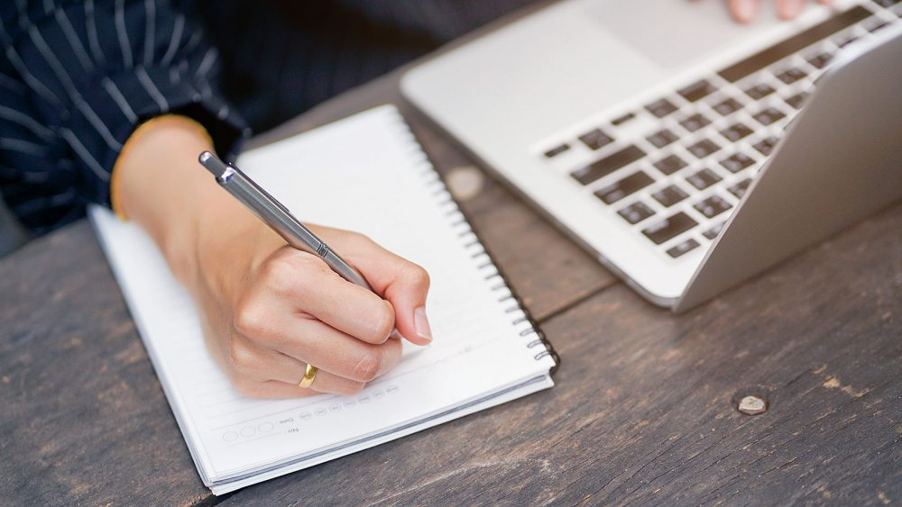 How to Write Business essay example